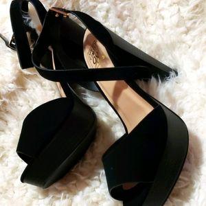 Women's peep-toe sandal